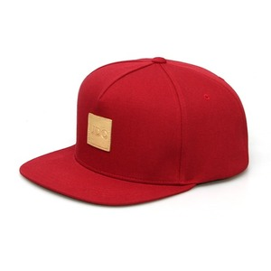 SQUARE GOLD LABEL / SUNSET RED