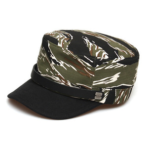 BELL BOY / LEATHER STRAP / TIGER CAMO